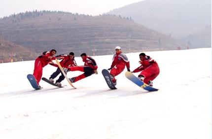 卧虎山滑雪场滑雪门票团购