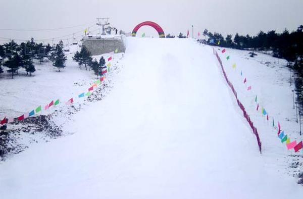 海兰江滑雪场实景照片