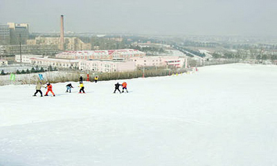 哈尔滨名都滑雪场滑雪表演