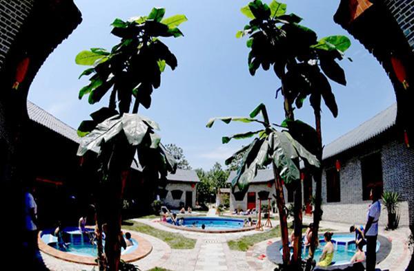 巴厘岛温泉图片赏析