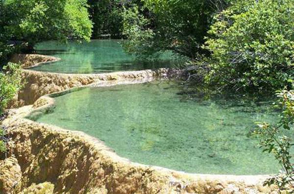 小汤温泉度假村打造了胶东半岛地区最具特色的温泉度假村,度假村中