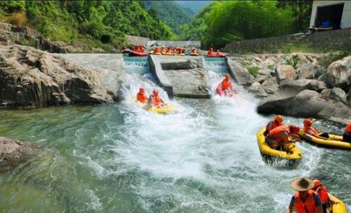 黄山夹溪河漂流图片赏析