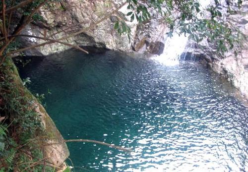 熟女人妻色幽谷_宁波五龙潭是一处景优色美的旅游胜地,这里有着碧潭幽谷,还有奇石飞瀑