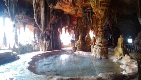 绿中海温泉之矿物泉