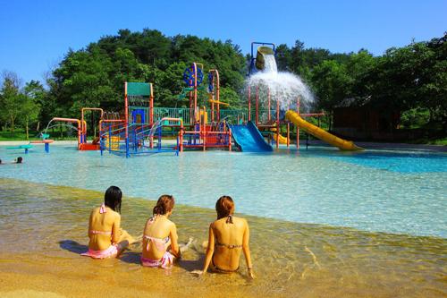 灵秀温泉的欢乐水上乐园