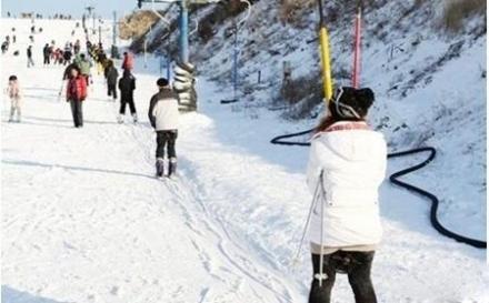 五龙滑雪场的初级滑雪道
