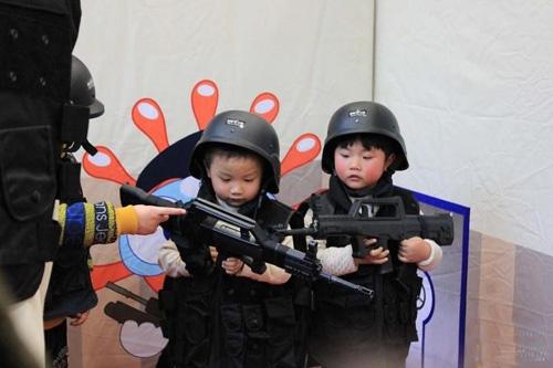 儿童在模拟社会体验