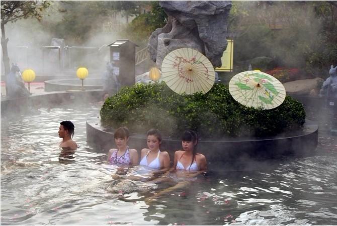 露天温泉池