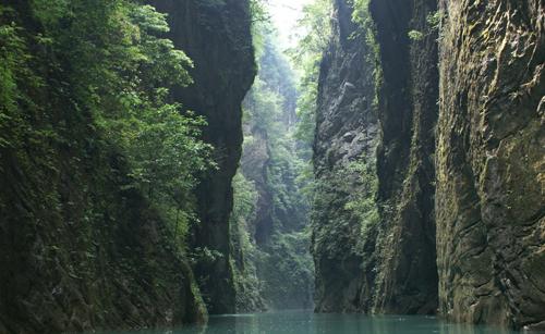 石门河的深谷