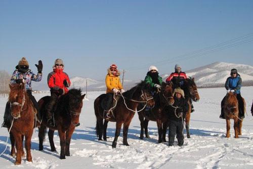 雪地跑马场