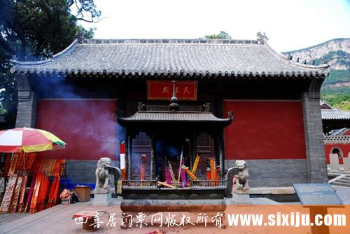 灵岩寺的佛殿