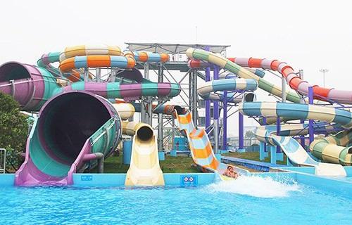 银基水世界响尾蛇巨碗超级组合滑道