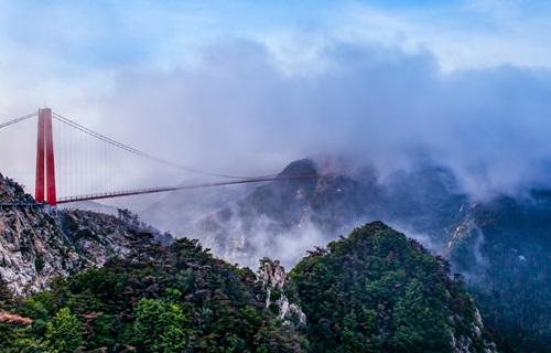 银座天蒙旅游区人行索桥