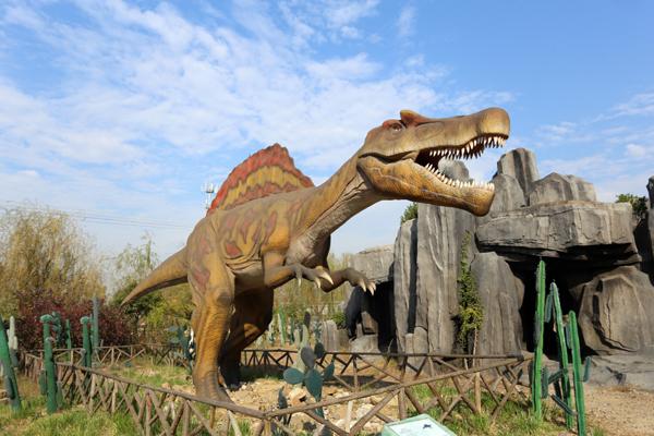 龙园休闲度假农庄里的恐龙至一霸王龙